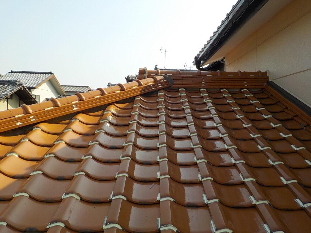 屋根 瓦止め